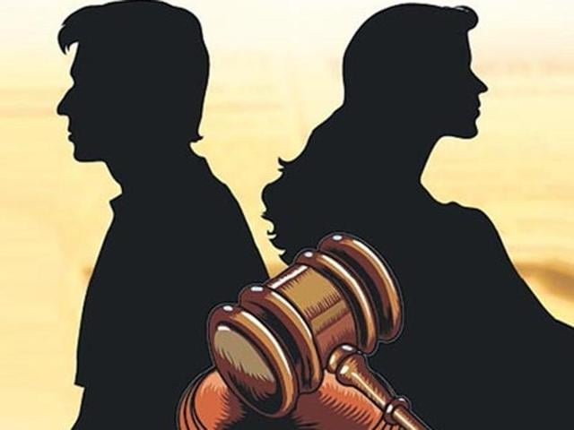 The court asked the woman seeking maintenance after her divorce to start sincere efforts to look for a job, instead of relying on the alimony.