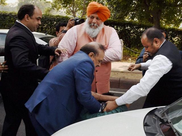 BJP MLA OP Sharma in a scuffle with one of the  JNU students who were protesting against the arrest of JNUSU President Kanhaiya Kumar outside the Patiala House Courts in New Delhi on Monday.