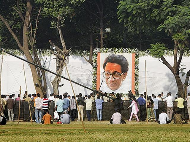 The controversy over 'Bombay' will continue to rage until the Thackerays embrace 'Thakre' full and square. (Kalpak Pathak/HT photo)