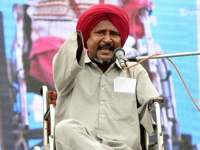 Singer and writer Bant Singh during the heritage festival at SD College in Chandigarh on Wednesday.