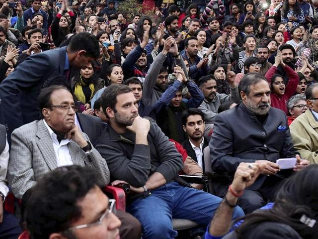 RSS ideologue MG Vaidya on Thursday targeted Congress vice-president Rahul Gandhi saying that by going to the JNU campus and supporting the students' action he has lowered the image of the century-old party.