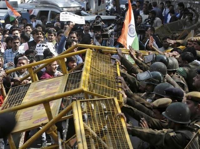 JNU row,Delhi Police,Lawyers