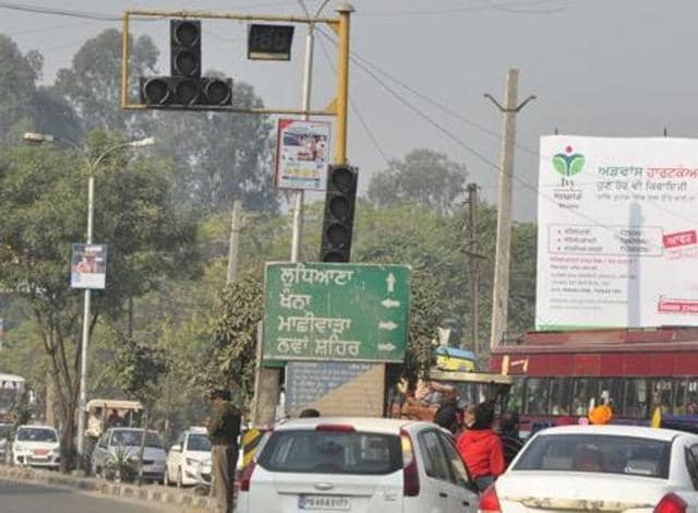 The Union government has approved eight highway projects worth Rs 6,000 crore for six states — Punjab, Jharkhand, Madhya Pradesh, Rajasthan, Himachal Pradesh and Odisha.(HT File Photo, for representation only)