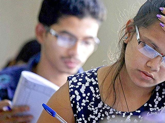 The Delhi Subordinate Services Selection Board (DSSSB) that hires clerical staff for the city government faces allegations of a Vyapam-like scandal after complaints that it allowed some candidates to cheat during a recruitment test. (Pratham Gokhale/HT photo)