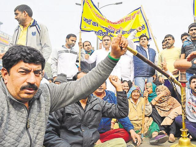 Protesters blocked the roads by parking cycle rickshaws and autorickshaws on it.Due to the blockades, Haryana Roadways suspended bus services on some routes.