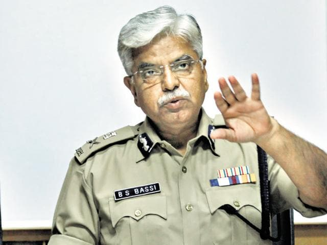 "Delhi Police commissioner BS Bassi  slammed chief minister Arvind Kejriwal and a TV journalist following a tweet from a ""parody account"" ridiculing him."