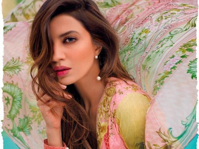 Pakistan,Lawn fabrics,Fashion