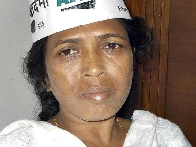Tribal activist and AAP leader oni Sori was attacked with acid-like substance in Dantewada district.