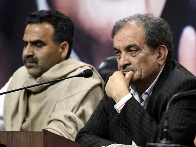 (Left to Right) BJP MP Sanjeev Balyan, Union minister of rural development Chaudhary Birender Singh and Haryana BJP incharge Anil Jain address press conference on Jat agitation in New Delhi on Saturday.