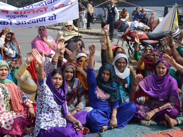 Women, mostly from agricultural families, are participating in the movement in large numbers.(Parveen Kumar/Hindustan Times)