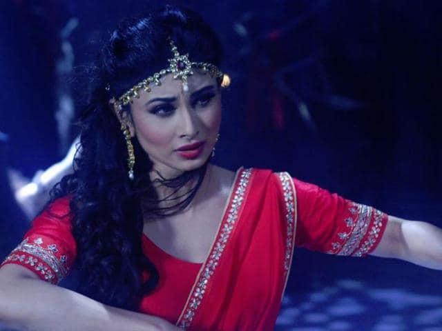 Will Shivanya's love for Ritik cloud overpower her need for revenge?