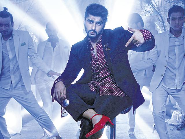Arjun Kapoor is seen wearing high heels  a song in his next, Ki and Ka.