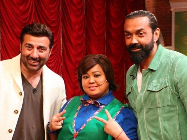 Sunny deol makes a grand entry on Comedy Nights Live.