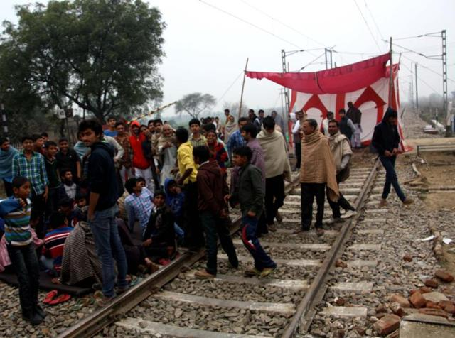 Many trains were stopped by Jat protestors connecting Delhi to Chandigarh and other prime cities around.