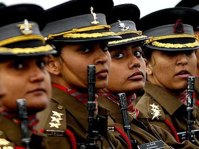 Female soldiers of the Indian Army stand at attention during the Army Day parade in 2016.(HT Photo)
