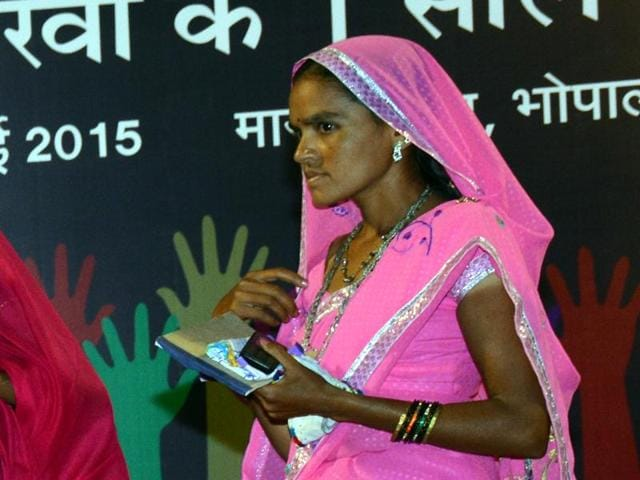 Banee Bai, a tribal woman of the poor Bhilala tribe in Madhya Pradesh is changing lives of hundreds of people in Alirajpur.