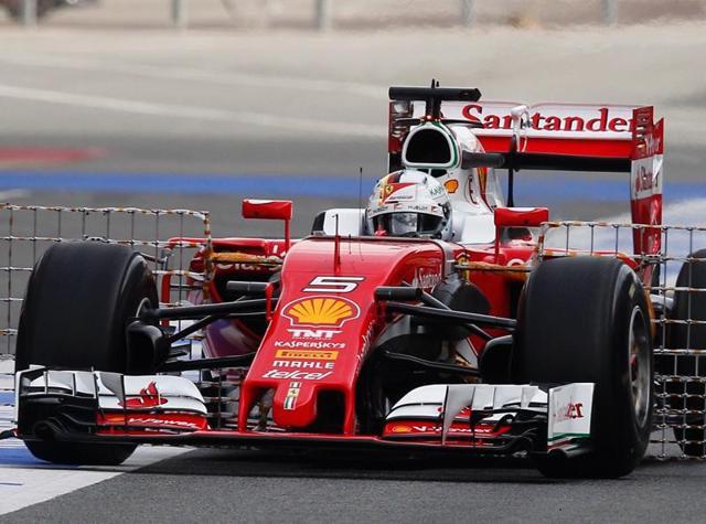 Formula 1,Sebastian Vettel,Lewis Hamilton
