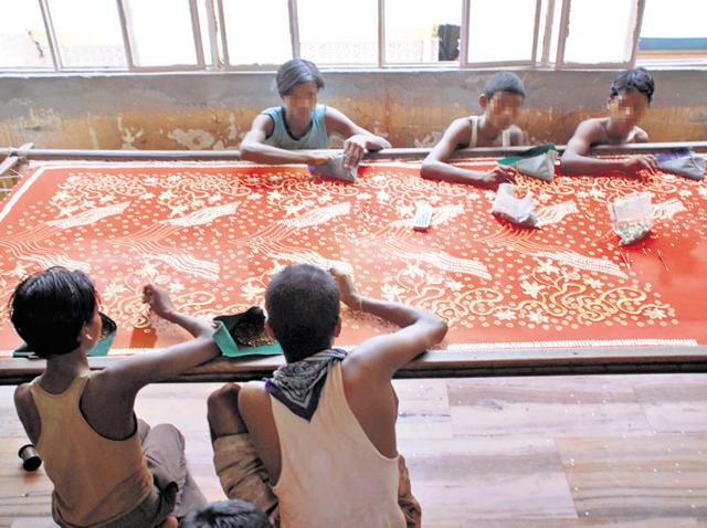Besids low labour cost, child labourers are favoured for zari work because of their nimble fingers.