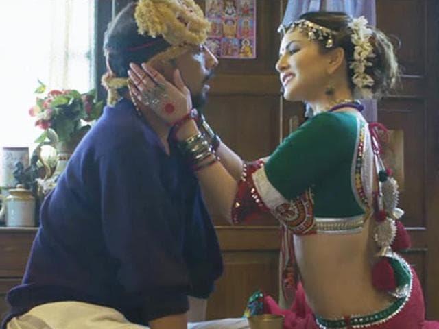 Sunny Leone and Deepak Dobriyal in anti-smoking short film, 11 Minutes.(YouTube grab)