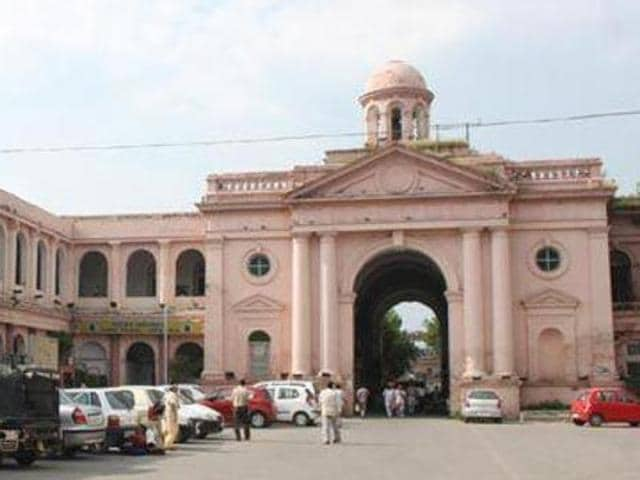 Presently the 150-year-old Town Hall building houses the municipal corporation office in  Amritsar.