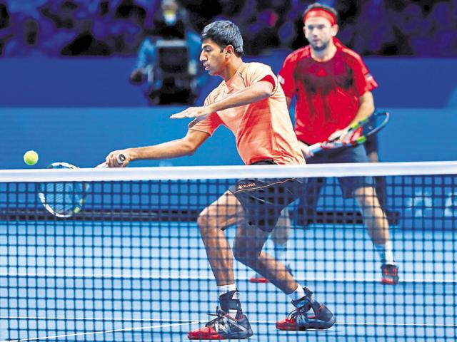 Rohan Bopanna and Florin Mergea lost to the unseeded but experienced Canadian-Czech pairing of Daniel Nestor and Radek Stepanek.