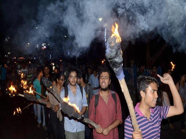 Jadavpur University students take out a rally in support of JNU students on Tuesday evening.
