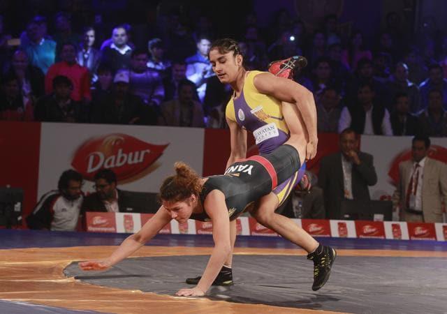 Vinesh Phogat (R) won bronze at the Asian CHampionships in Bangkok. (Photo by Sanjeev Verma/ Hindustan Times)