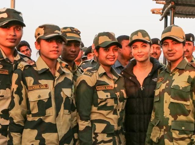 Aishwarya met the BSF soldiers in Amritsar. (HT)