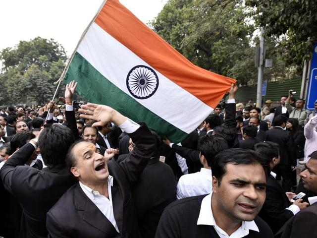 Hundreds of lawyers in National Capital Region (NCR) staged a march from Patiala House Court to India Gate expressing solidarity with Advocate Vikram Singh Chauhan onFriday.