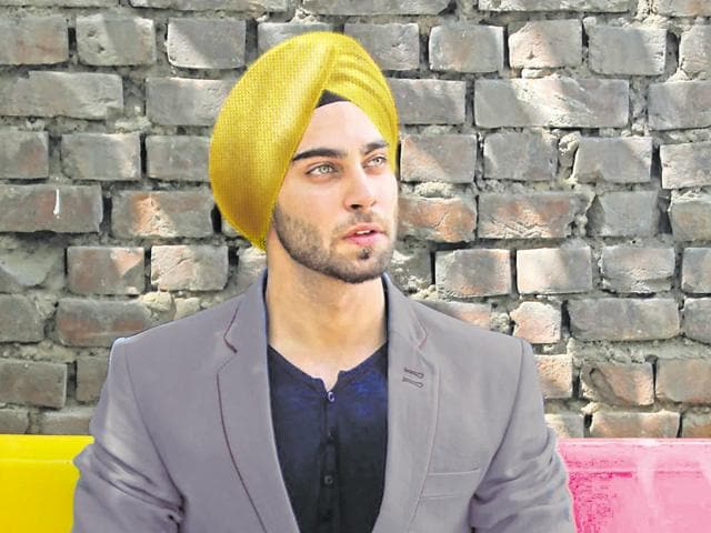 Bling is King: If you are one of those who like to script their own fashion story, gold turban with a light grey summer coat and a black tee can be a fun look to wear to a summer wedding.
