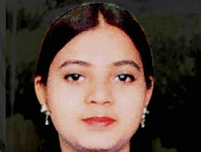A decision to omit 19-year-old Mumbai resident Ishrat Jahan's possible links with terror outfit Lashkar-eTaiba (LeT) in a home ministry affidavit was taken at the political level, former home secretary GK Pillai said on Thursday