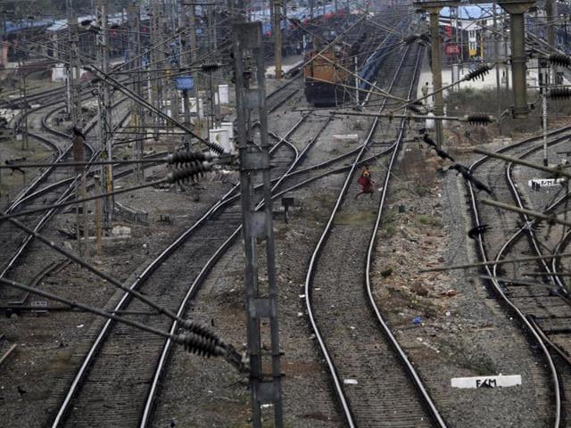 Jharkhand passengers' association chief Prem Kataruka said Suresh Prabhu had neglected the state.