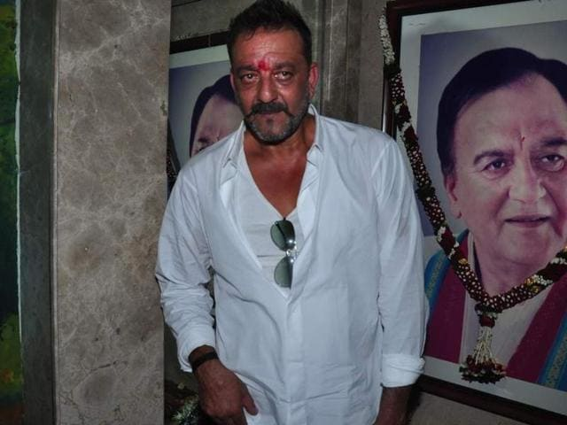 Bollywood actor Sanjay Dutt arrives at his Mumbai home after his release from Yerwada jail in Pune.