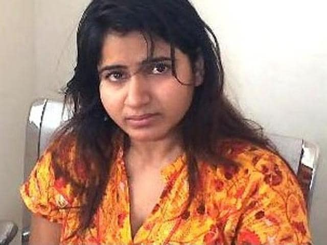 Actor Swathi Reddy and her mother Nagendramma came to blows inside the Banjara Hills police station in Hyderabad.