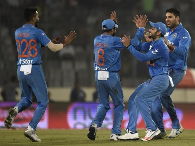 India defeated Pakistan by 5 wickets to continue their winning run in the 2016 Asia Cup at Dhaka.