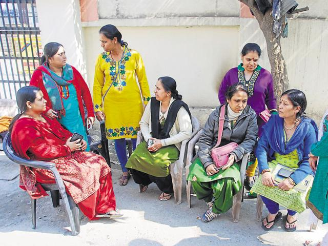 Nurses were on mass leave on Dehradun on Friday, protesting against the seventh pay commission.