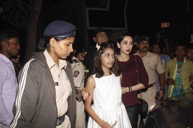 Actress Karisma Kapur has filed a dowry harassment case against estranged husband Sunjay Kapur.