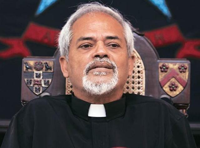 The controversial principal of St Stephen's College, ValsonThampu, will retire on Monday.