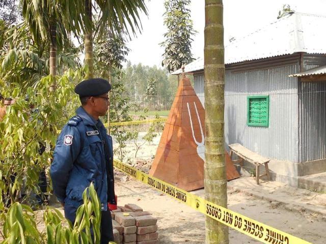 Hindu priest killed in Bangladesh