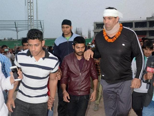 Pointing out that Khali was discharged from the hospital and is planning to fight again in Dehradun, Chauhan termed the event as a facade and said that it was a fixed match carried out to advertise the 'CM for Youth' programme.