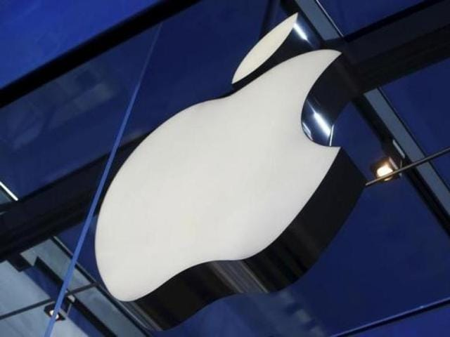 Facebook, Google and Twitter, all supporting Apple in its fight with the FBI