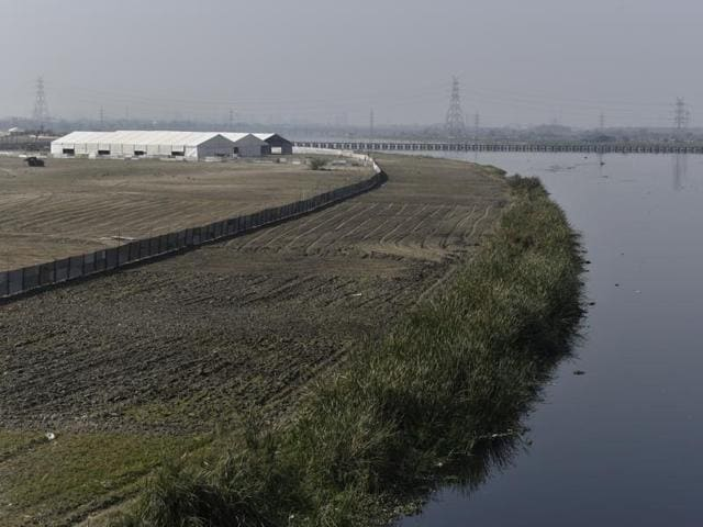 An area of 1,000 acres have been cleared to construct huts, pandals and a giant 7-acre stage right on the river channel.