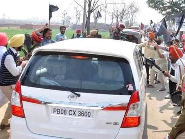 arvind kejriwal,kejriwal ludhiana,attack on kejriwal