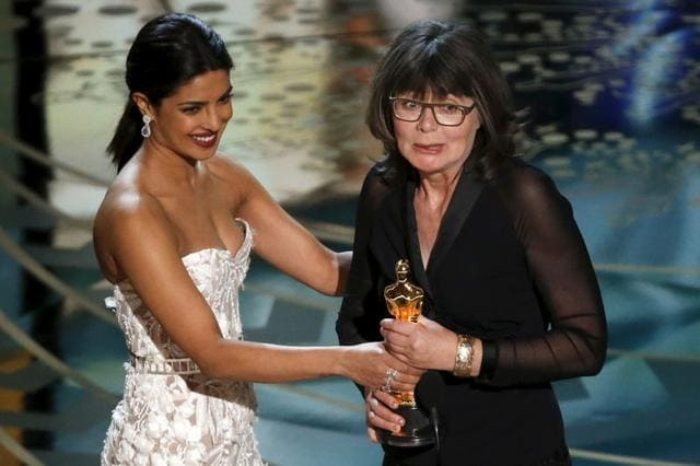 Priyanka Chopra presented the award for 'Best Editing' at the 88th Academy Awards along with Hollywood actor Liev Schreiber at the Dolby Theatre.The Oscar for the category went to Margaret Sixel for 'Mad Max: Fury Road.' Priyanka looked absolutely stunning in the Zuhair Murad 'naked' dress and jewels worth $8 million! The Bollywood star, whose ABC show Quantico is back on TV with all new episodes this Sunday, also ruled Google. In fact, as she made her red carpet debut at the 88th Academy Awards on Monday, was the second most searched celebrity. SO, in case you missed it, click to watch her full presentation from the Sunday's ceremony.