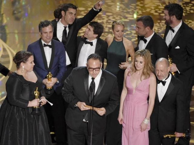 """As Team Spotlight won the Best Picture award at Oscars 2016, producer Michael Sugar appealed to the pope: """"Pope Francis, it's time to protect the children and restore the faith""""."""