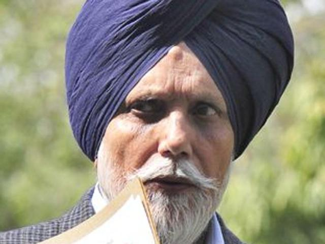 Akali minister Sekhon's cavalcade attacked by villagers in Bathinda