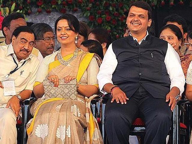 Maha CMDevendra Fadnavis with wife Amruta. (HT)