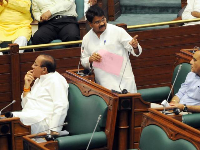 MP: Chouhan hikes MLA fund to Rs 2 cr, reminds Oppn of fund crunch