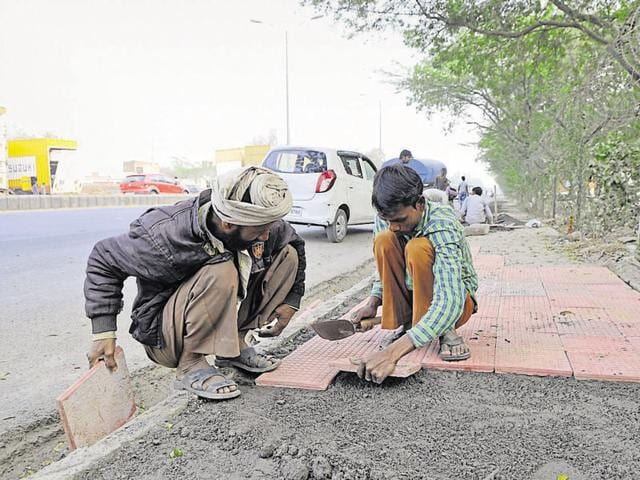 Huda and MCG have been busy repairing roads and footpaths in Gurgaon ahead of the two-day summit on March 7 and 8.