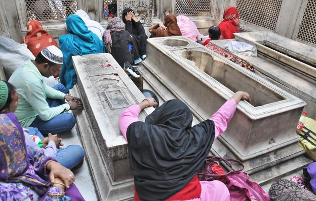 Begum's grave sees fewer visitors. The tomb is in a state of neglect.